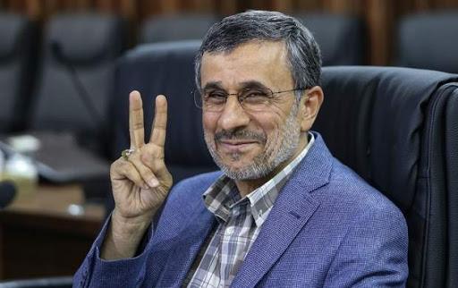 احمدینژاد حق کاندیدا شدن دارد / سیاست را باید به سیاسیون سپرد، نه نظامیان!احمدینژاد حق کاندیدا شدن دارد / سیاست را باید به سیاسیون سپرد، نه نظامیان!