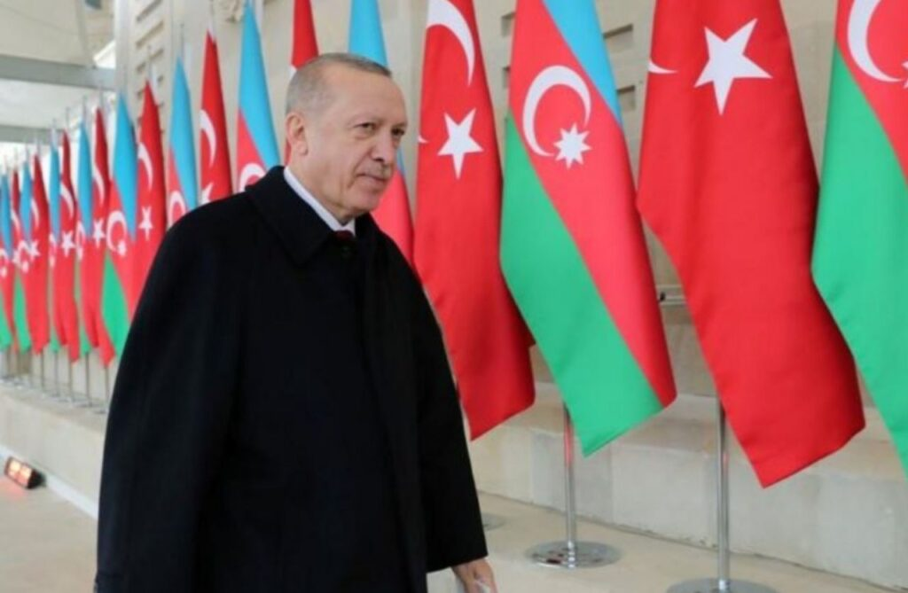 جنجال شعری که اردوغان برای آذربایجان خواند / ترکیه بهدنبال تجزیه آذربایجان ایران است؟ / ظریف: هیچکس نمیتواند درباره آذربایجان عزیز ما صحبت کند
