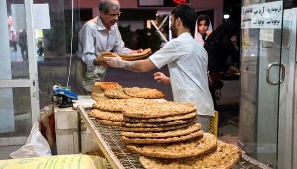 فروش نسیه نان در برخی مناطق استان قزوین/ گرو گذاشتن کارت ملی برای خرید نان