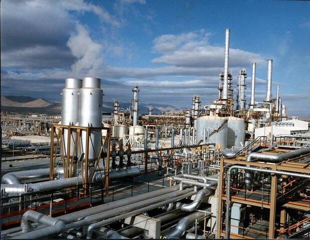 بازی «برد- برد» تهران و دمشق/حل بحران سوخت سوریه با صادرات بنزین