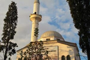 مسجدی در آلبانی