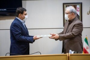 وزیر بهداشت در مراسم اهدای تجهیزات بیمارستانی از سوی ستاد اجرایی فرمان امام