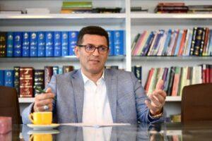 مشاور حقوقی رئیس فدراسیون فوتبال