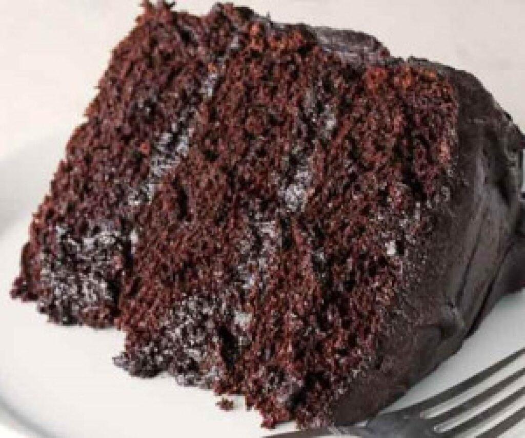 طرز تهیه کیک دبل چاکلت دلچسب بدون فر