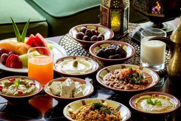 افطار تا سحر چه غذاهایی بخوریم/چگونه تشنه نشویم